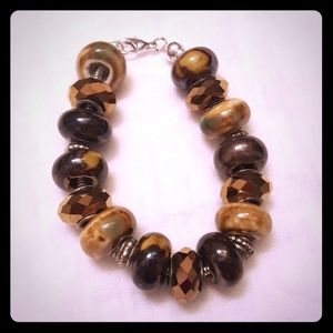 Jewelry - Earth tone beaded bracelet
